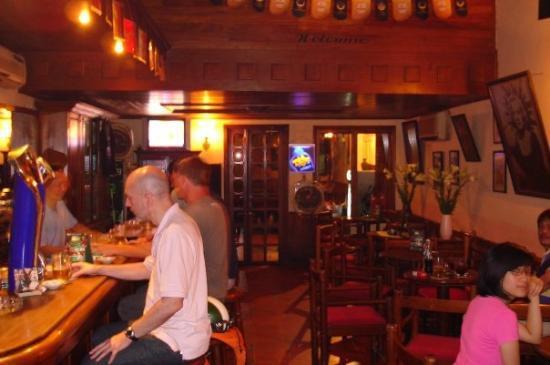 ฮานอย, เวียดนาม: My Fav Bar