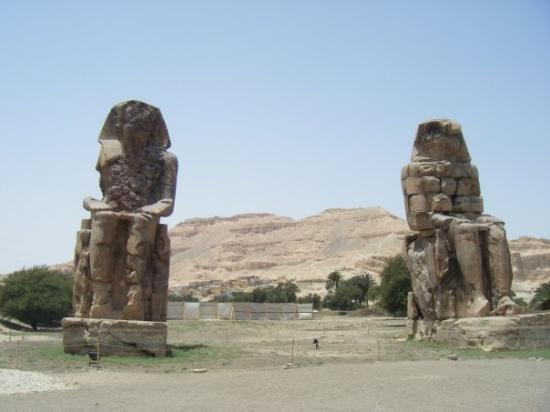 Colossi of Memnon: Both of them...HAUUUGE!!!