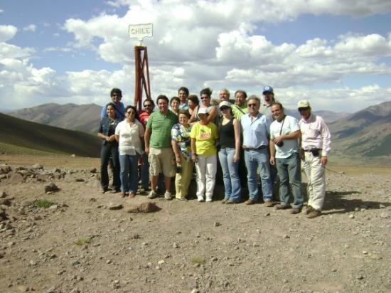 เนวเกน, อาร์เจนตินา: Delegaciòn Chilena en Hito del Paso Internacional Pichachen, Comuna de Antuco Regiòn del Bio-Bio