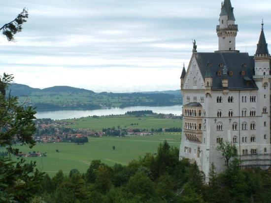 ฟึสเสิน, เยอรมนี: panorama sul froggenzee