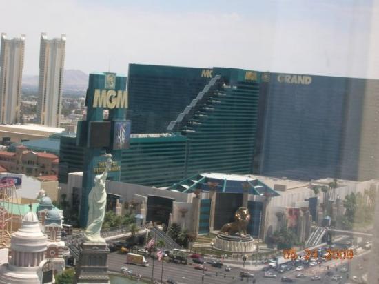 เอ็มจีเอ็มแกรนด์โฮเต็ล แอนด์คาสิโน: MGM hotel