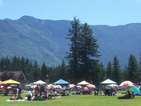Chilliwack, Καναδάς: Surrounded by mountains