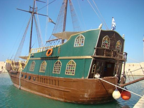เรทิมโน, กรีซ: Nous avons enfin trouvé le bateau Playmobil !!!
