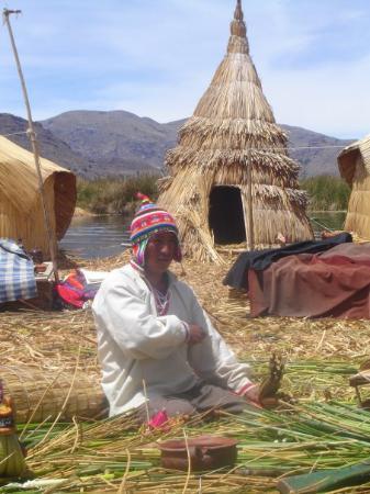 ปูโน, เปรู: Indianin Uros (jez. Titicaca)