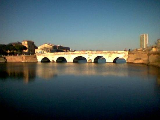ริมินี, อิตาลี: Rimini Ponte di  Tiberio  - Taken at 10:12 AM on April 17, 2009 - cameraphone upload by ShoZu