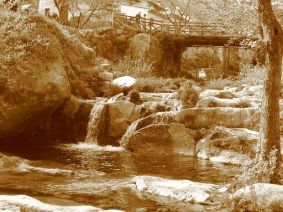 Avila, สเปน: gargantas cerca del puente madera