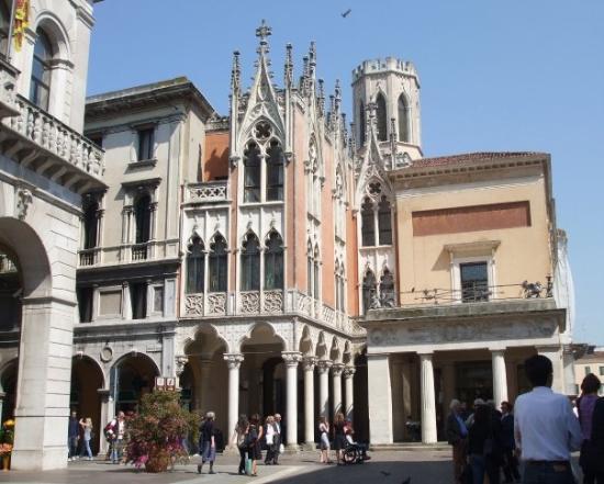 Padova piazza dei frutti picture of padua province of for Pedro padova
