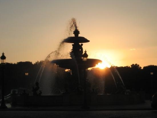 Place de la concorde - couche de soleil