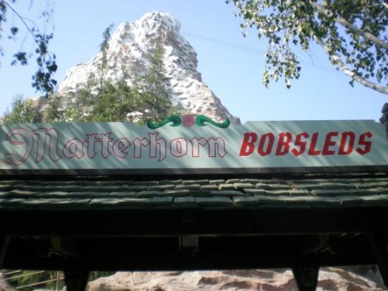 ดิสนีย์แลนด์ ปาร์ค: Matterhorn