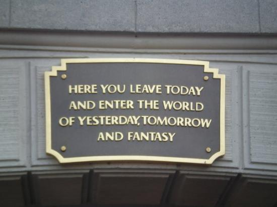ดิสนีย์แลนด์ ปาร์ค: Disneyland :]