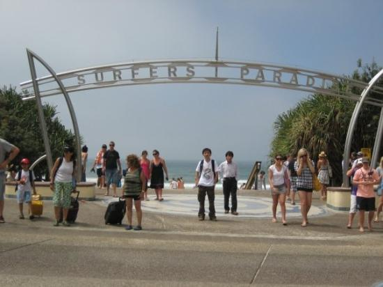 Surfer's Paradise Beach: Surfer Paradise