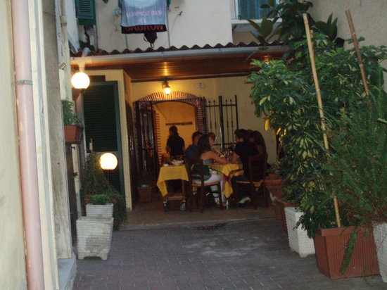 Osteria Vico del Rame: The backyard