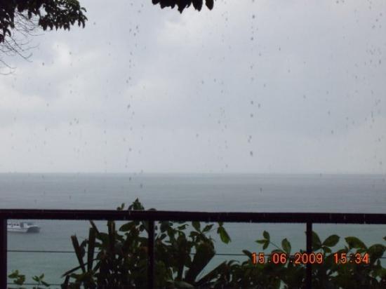 บินตัน, อินโดนีเซีย: Sea view taken while having our late lunch