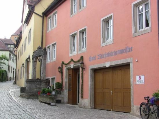โรเทนเบิร์กอ็อบเดอร์โตเบอร์, เยอรมนี: Rotenberg ob de Tauber, Germany. This hotel we stayed at was from 1435 (or thereabout)