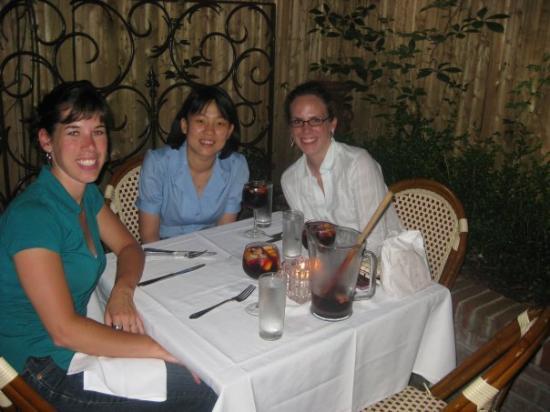 Havana Alma de Cuba : The girls doing Cuban right