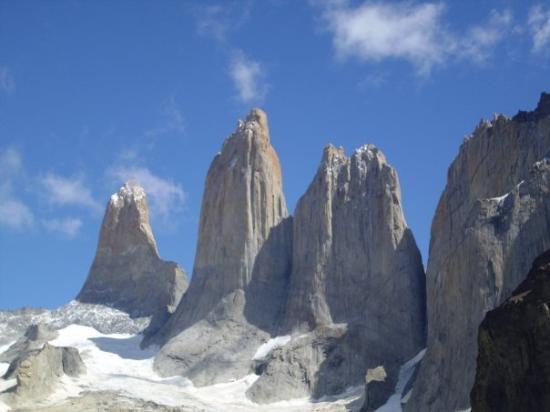 Torres del Paine National Park, ชิลี: TORRES EN SU MÁXIMA EXPRESION
