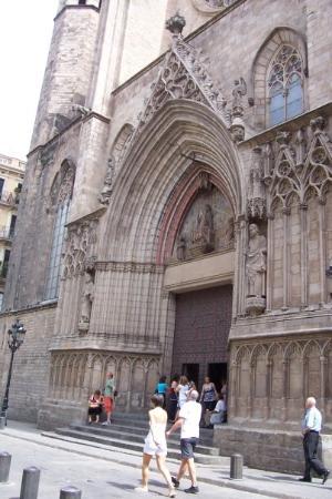 มหาวิหารเซนต์แมรีออฟเดอะซี: Santa María del Mar