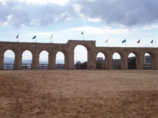 Jerash, จอร์แดน: Hipodromo.  Aqui se corria con carruajes.