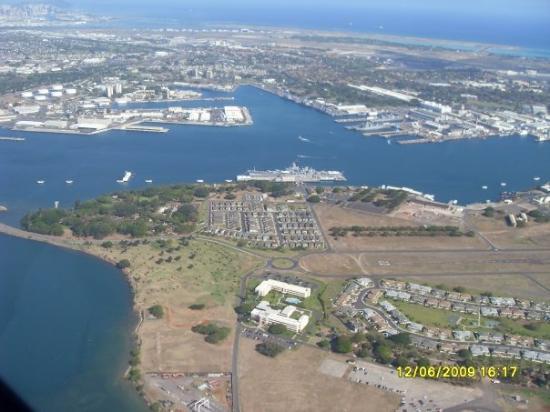 อนุสาวรีย์เรือรบหลวงแอริโซน่า: Pearl Harbour