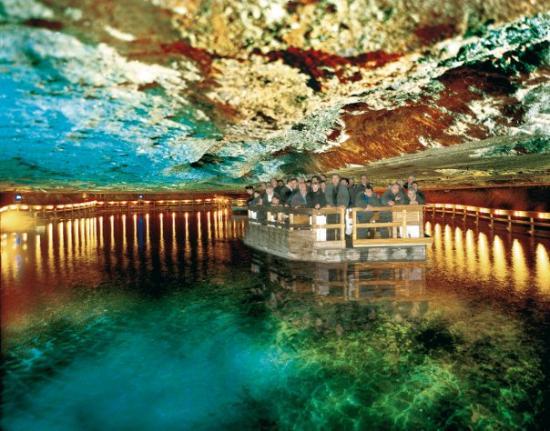 เบิร์ชเตสกาเดน, เยอรมนี: Cavern Lake in Salt Mine in Berchtesgaden