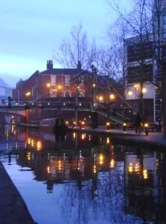 เบอร์มิงแฮม, UK: canal of birmingham