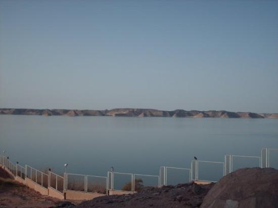 อาบูซิมเบล: le lac Naser