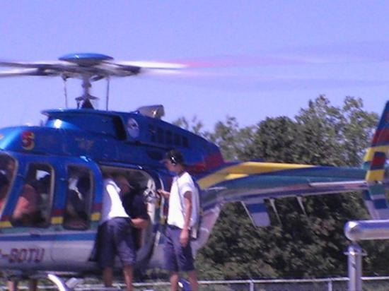 Niagara Helicopters: Helicopter (up-close) in whihc we flew over Niagara & Niagara Falls