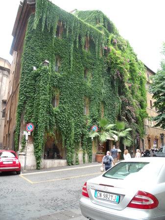 Hotel Raphael Restaurant
