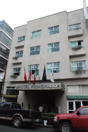 Hotel Del Principado: La facciata dell'hotel