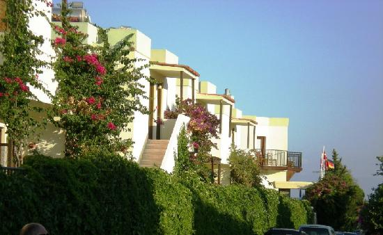Salinas Beach Hotel : side