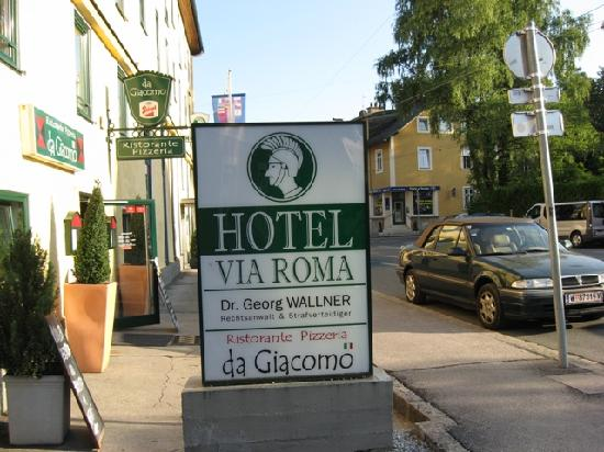 Hotel Via Roma: Front of hotel