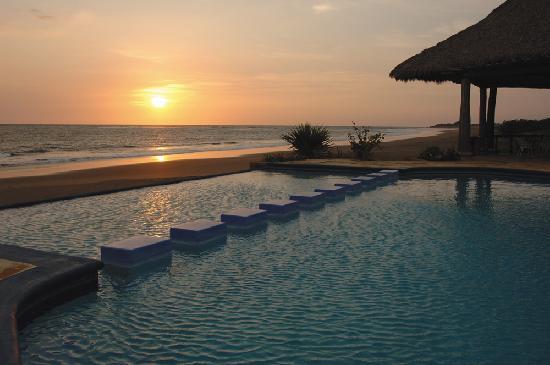 Marina Puesta del Sol : Que bella puesta de sol.....