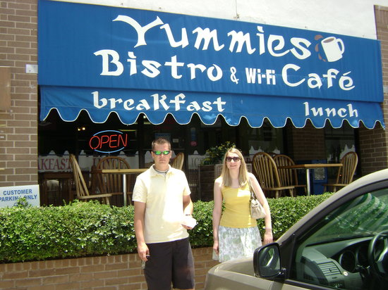 Yummies Bistro: One of our favorites on the island!