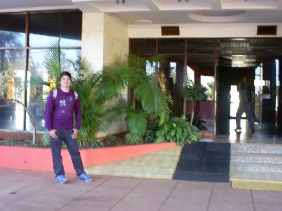 Latino Hotel : la entrada