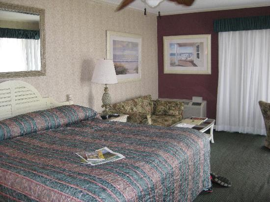 Honeymoon suite picture of surf side hotel nags head for Honeymoon suites in north carolina