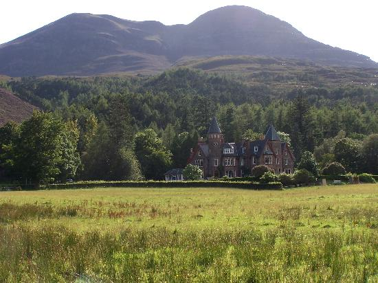 Torridon, UK: View of hotel from the Loch
