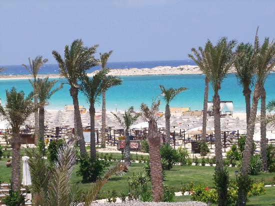 Jaz Almaza Beach Resort: MARE DALL'HOTEL