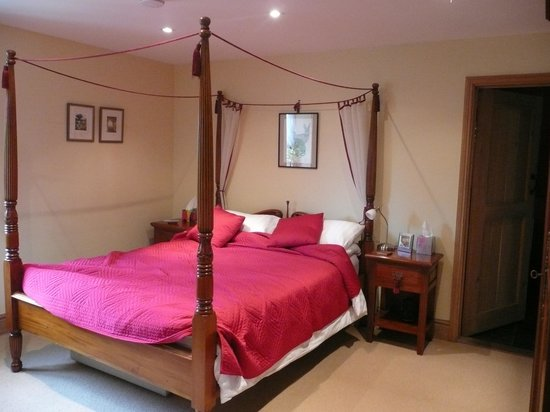 Bloodstock Barn Bed and Breakfast: My Room from other angle