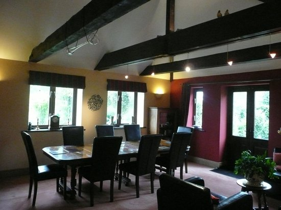 Bloodstock Barn Bed and Breakfast: Breakfast Room from other angle