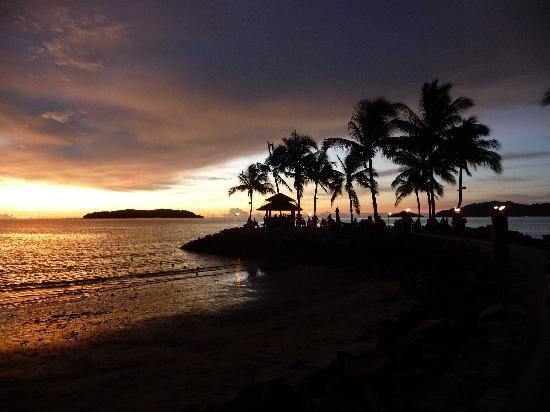 แชงกรีลาส์ ตันจุง อารู รีสอร์ท แอนด์ สปา: Stunning Sunsets