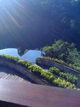 อุบุด แฮงกิ้งการ์เดนส์ บาย โอเรียนท์เอ็กซ์เพรส: view at breakfast looking down to pools