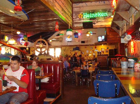 Joe's Crab Shack: Lively and Fun