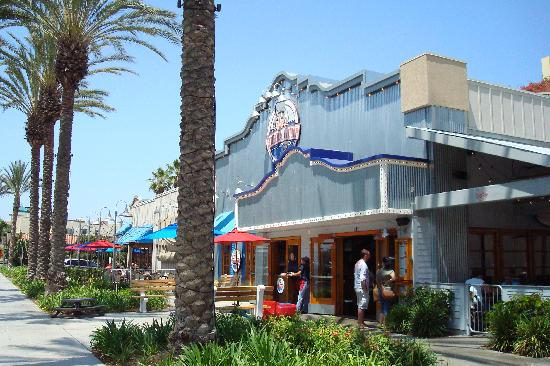 The Garden Walk Anaheim Ca: Bubba Gump Shrimp Restaurant