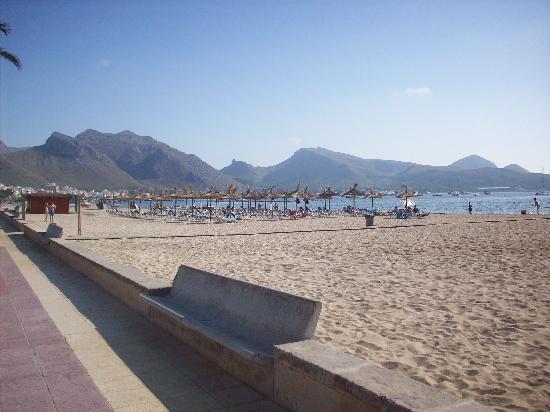 Romantic Hotel: Beach within meters