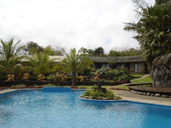 O'tai Hotel: piscina del hotel