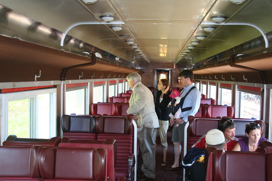 Waterloo, Kanada: Inside the 60's era passenger car
