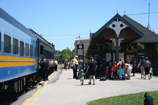 Waterloo, Canada : All Aboard !!!