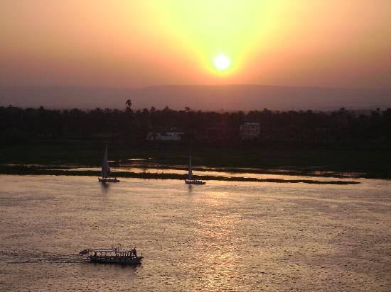 Steigenberger Nile Palace Luxor: nile sunset from hotel