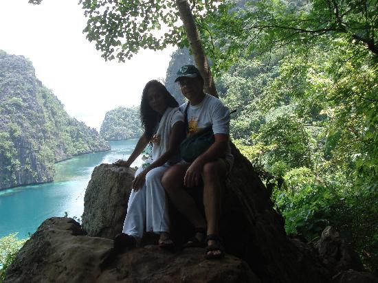 Busuanga Island Paradise : The Lake and beautiful people