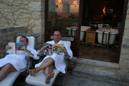 Hotel Crillon le Brave: Lounging on the Terrace of Room 33